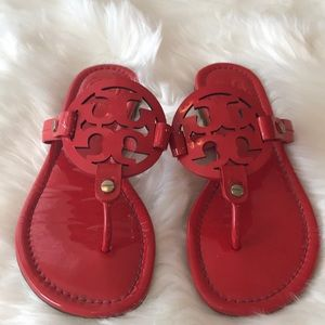 TORY BURCH MILLER SANDAL RED PATENT SZ 5 EXCEL CON